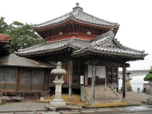 西堂寺の六角堂