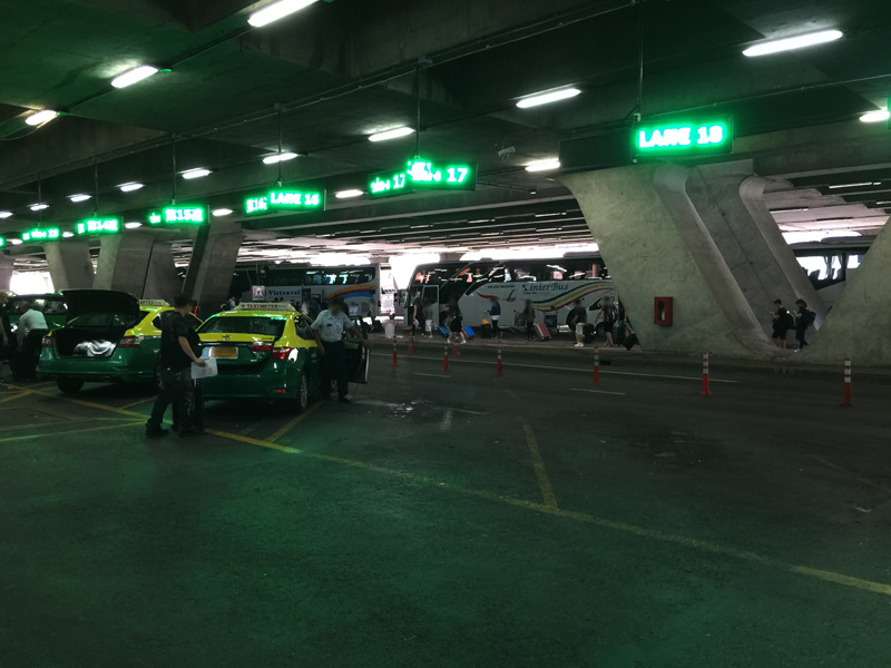 タイ王国 スワンナプーム国際空港からタクシーに乗る